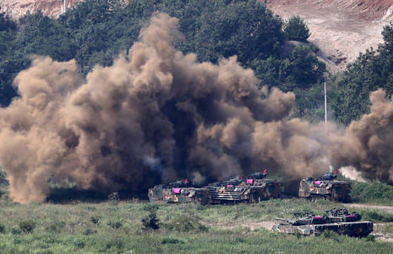 A file photo of a U.S.-Korea joint military exercise in Pohang, North Gyeongsang, in September 2017. [YONHAP]