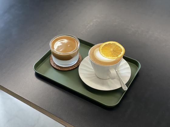 Coffee drinks at Coffee Temple [LEE SUN-MIN]