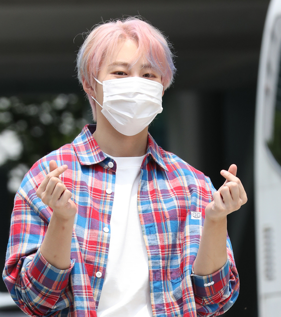 Ha Sung-woon, a former member of Wanna One, who made a solo debut in 2019, will hold a two-day concert from July 24. [ILGAN SPORTS]