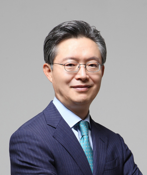 Hwang Joon-kook, former ambassador to Britain, has been tapped as the fundraising manager of presidential candidate Yoon Seok-youl on Sunday. [YONHAP]