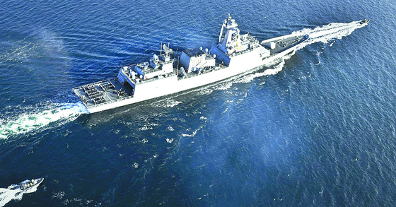 The Navy's Munmu the Great destroyer departs Korea for the Gulf of Aden in February. [YONHAP]
