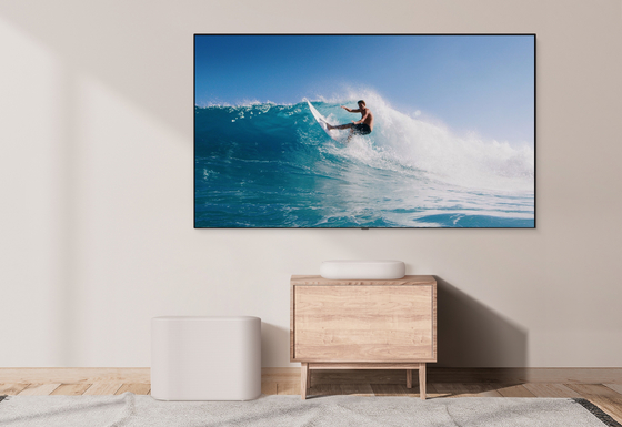 LG Electronics released the LG Eclair, a new compact sound bar, on Monday. The product is priced at 899,000 won ($780) in Korea, and will be offered in Japan and various North American and European countries. [YONHAP]