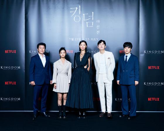 From left: Actors Kim Roi-ha, Kim Shi-ah, Jun Ji-hyun, Park Byung-eun and Koo Kyo-hwan