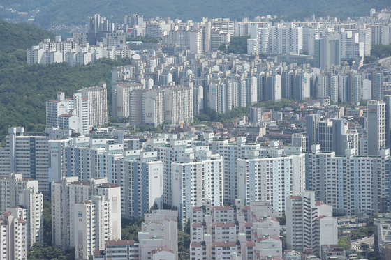 View of apartments in Seoul. [YONHAP]
