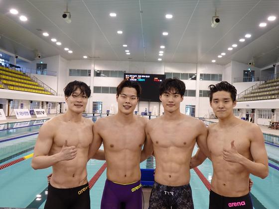 From left: Lee Yoo-yeon, Lee Ho-joon, Hwang Sun-woo and Kim Woo-min [Korea Swimming Federation]