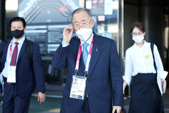 Former UN Secretary General Ban Ki-moon arrives at Narita International Airport in Japan on July 19 to attend the opening ceremony of the Tokyo Olympics. [JOINT PRESS CORPS]