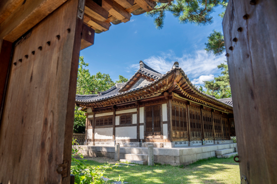 Lee Jong-seok's summer house in Seongbuk District, northern Seoul, is estimated to have been built around 1900. [SEOUL TOURISM ORGANIZATION]