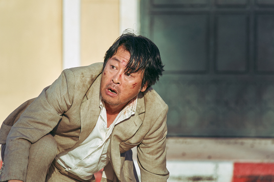 "Actor Kim Yoon-seok portrays the ambassador of South Korea to Somalia, Han Shin-sung in ""Escape from Mogadishu."" [LOTTE ENTERTAINMENT]"