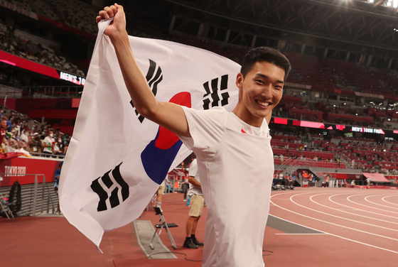 Twenty-five-year-old Woo Sang-hyeok, who cleared the bar at 2.35 meters in the men's high jump final, setting a new Korean record. [YONHAP]