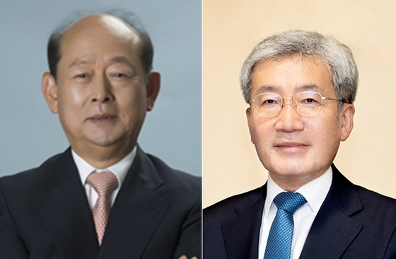 Song Doo-hwan, National Human Rights Commission of Korea chairman nominee, left, and Koh Seung-beom, the Financial Services Commission chairman nominee. [BLUE HOUSE]