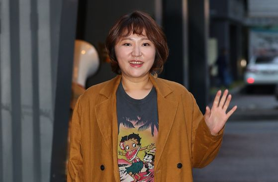 Actor Kim Hyun-sook is the primary carer for her son after she divorced. [ILGAN SPORTS]