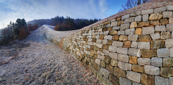 Naseong city wall in Buyeo [CULTURAL HERITAGE ADMINISTRATION]