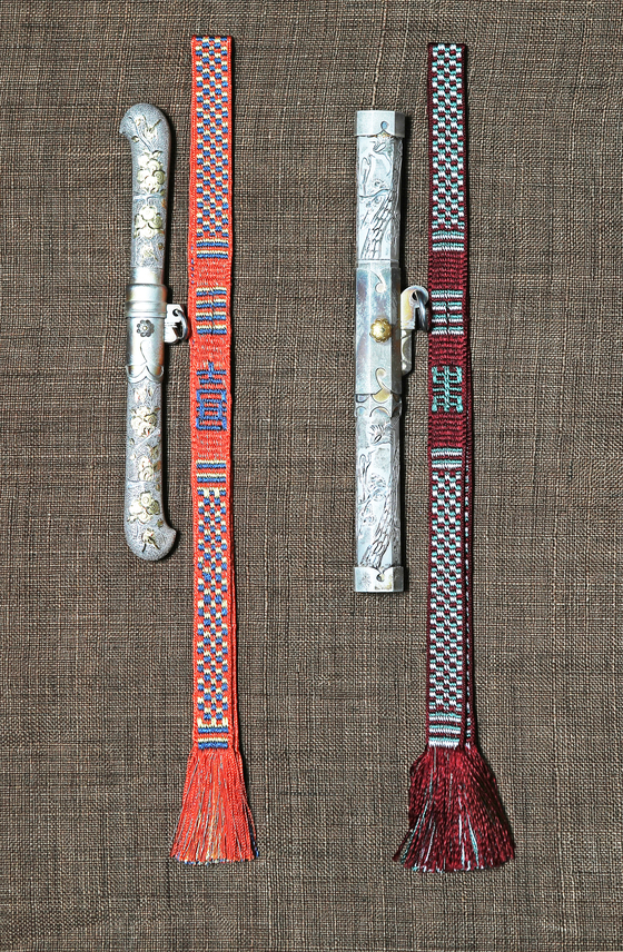 Dahoe was also used as a strap for jangdo, a small knife used in the Joseon era. [PARK SANG-MOON]