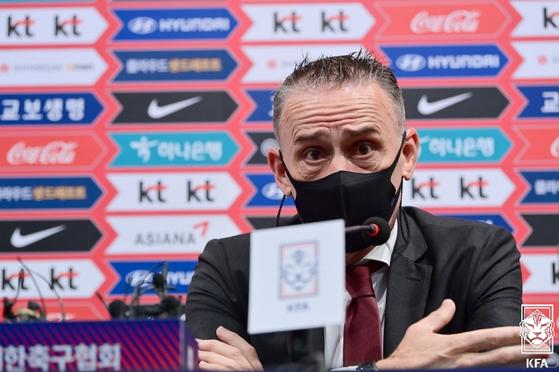 한국 축구 대표팀의 파울로 핀투 감독은 9월 2일부터 시작되는 월드컵 3차 예선 26인 명단을 월요일 발표했다. [YONHAP]