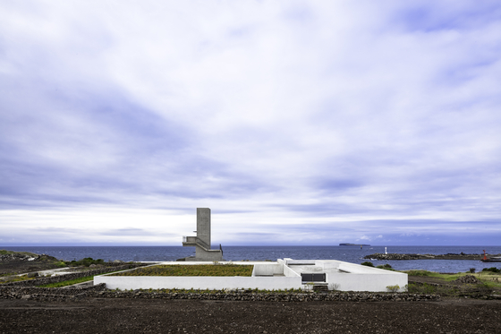 ″Island House″ by Choi is part of the ″House Proposals″ section. The island pictured is Gapa, near Jeju. [ONE O ONE ARCHITECTS]
