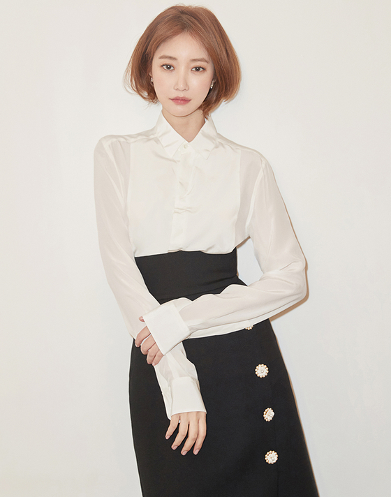 Go Joon-hee [MOUNTAIN MOVEMENT]
