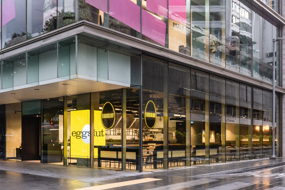 A view of Eggslut's first Singapore branch that opened Thursday. The store is located on the first floor of Scotts Square mall in Orchard Road. In 2020, SPC Group acquired the right to operate Los Angeles-based food chain Eggslut in various countries including Korea, Singapore, Malaysia and Vietnam.[SPC GROUP]