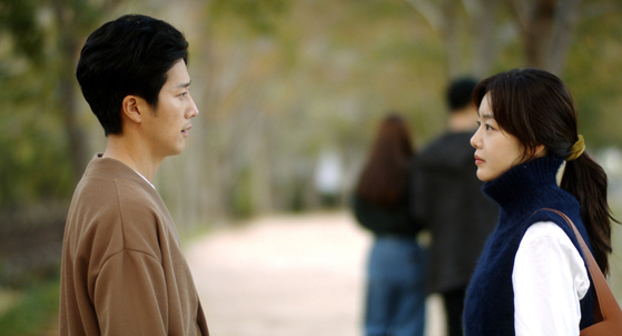 """An image from the movie """"Cinema Street"""" with actor Han Sun-hwa, right, who plays the lead. [CINESOPA]"""