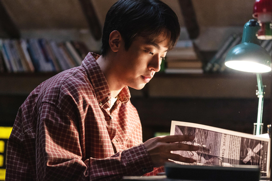 """Actor Park Jeong-min portrays 17-year-old Joon-kyung who lives in a secluded village in Bonghwa County, North Gyeongsang in the film """"Miracle: Letters to the President."""" [LOTTE ENTERTAINMENT]"""