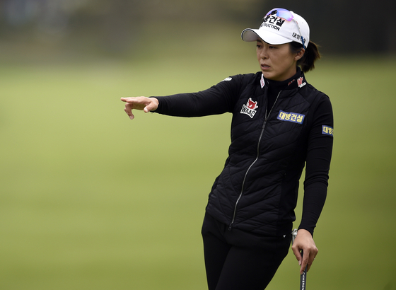 Hur Mi-jung looks over her putt on the 11th green during the first round of the U.S. Women's Open golf tournament at The Olympic Club on June 4, 2021. [USA TODAY/YONHAP]