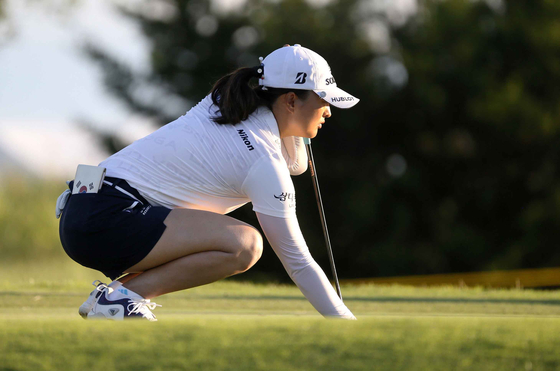 Ko Jin-young lines up her putt on the second green during the second round of the LPGA Volunteers of America Classic golf tournament in The Colony, Texas on July 2. [AP/YONHAP]