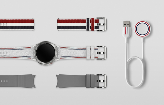 Samsung Electronics unveiled its Galaxy Watch 4 Classic Thom Browne edition on Thursday, made in collaboration with the American fashion brand. The special edition will be available in limited quantities via a lucky draw that takes place online between 9 a.m. and 6 p.m. on Sept. 29. [SAMSUNG ELECTRONICS]