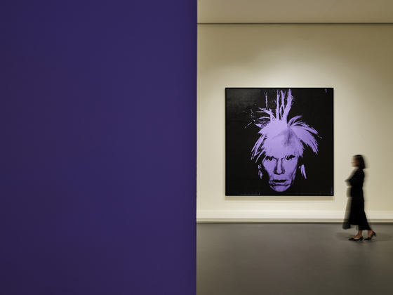 """""""Self-Portrait (1986)"""" is on display at the Espace Louis Vuitton Seoul exhibition, titled """"Andy Warhol: Looking for Andy."""" [ESPACE LOUIS VUITTON SEOUL]"""