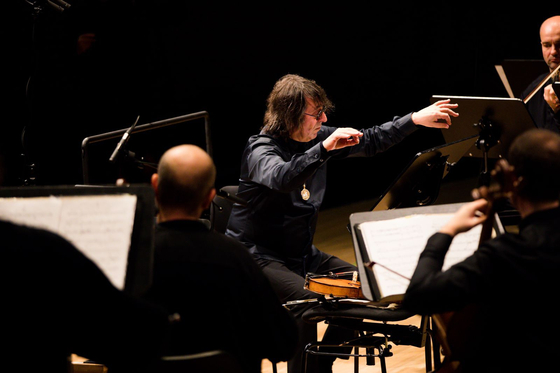 Yuri Bashmet conducting a concert Moscow Soloists during the Russian Seasons in Germany in 2019. [RUSSIAN SEASONS]