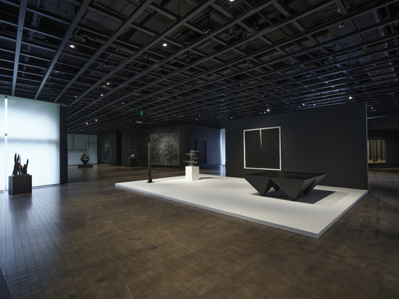 The view of the ″Black Blank″ exhibition at a permanent collection gallery of Leeum, which will reopen on Friday. [LEEUM MUSEUM OF ART]