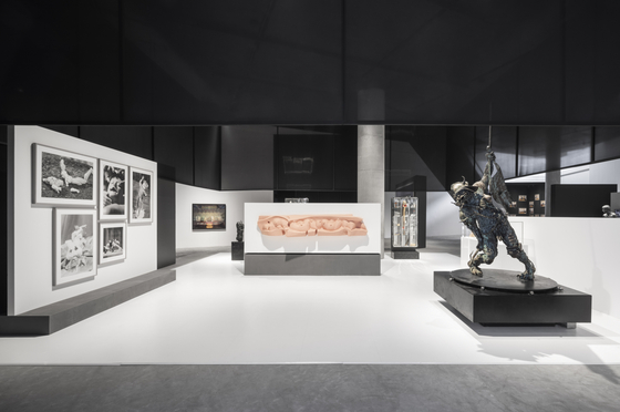 A view of the ″Distortion″ section of ″Human, 7 Questions,″ a special exhibition that celebrates the reopening of Leeum.  [LEEUM MUSEUM OF ART]