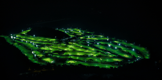 The Podo Country Club in Gimcheon, North Gyeongsan is lit up at night. [JOONGANG ILBO]