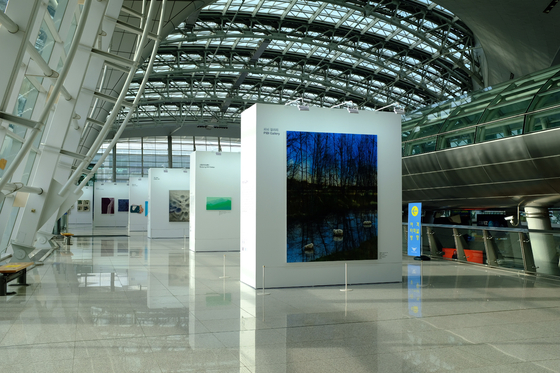A special exhibition to celebrate the 20th anniversary of the Kiaf Seoul art fair is now on view at Terminal 1 of Incheon International Airport. The show runs through Oct. 22. The 2021 Kiaf will be held from Wednesday to Sunday at Coex, southern Seoul. [KIAF]