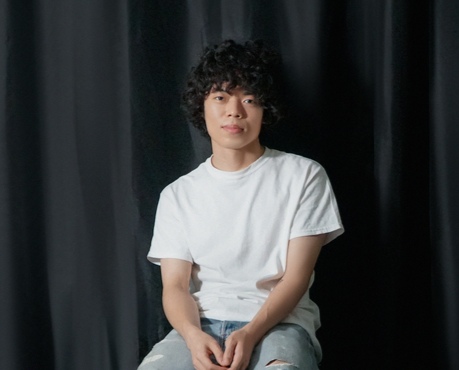 Singer O3ohn sits down for an interview with the Korea JoongAng Daily. [BYUN JU-YEON]
